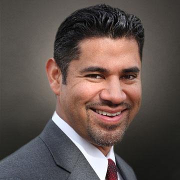 Real Estate Agent Sergio Sosa